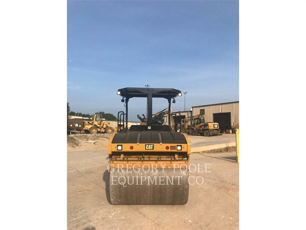Caterpillar CB-54, Twin drum rollers, Construction