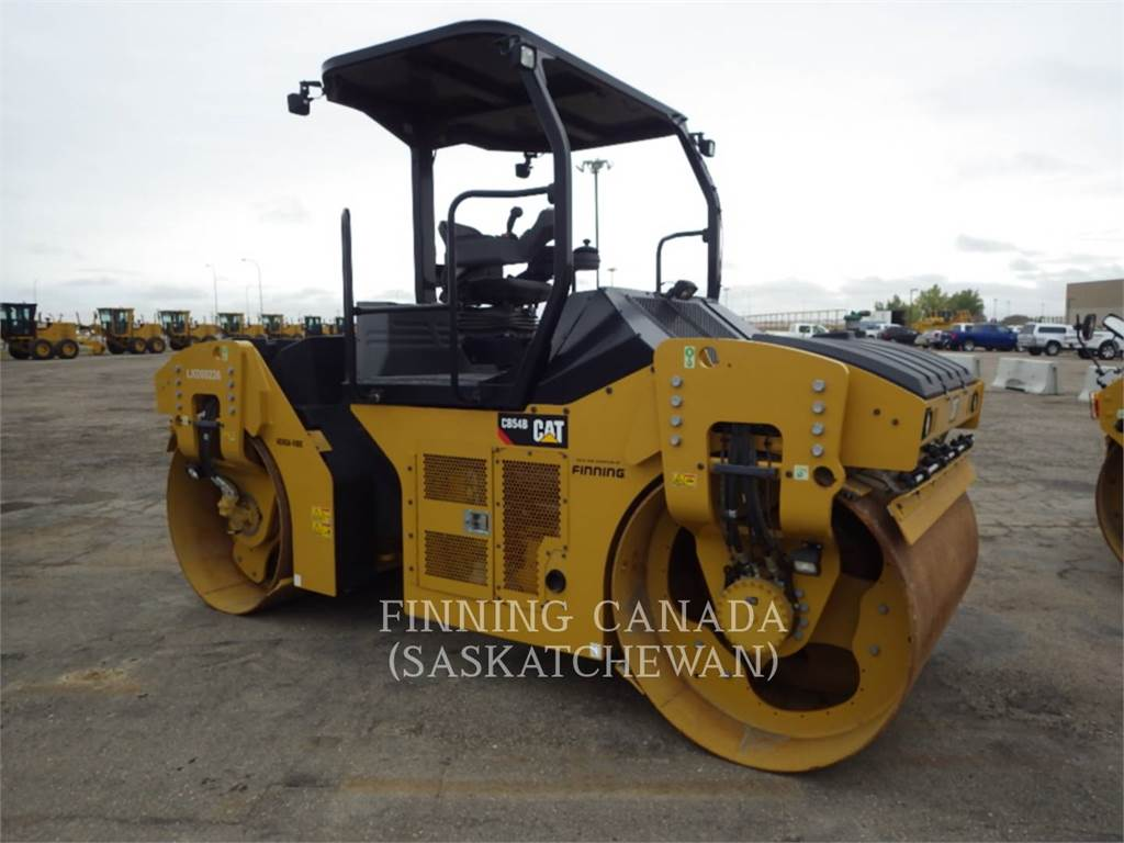 Caterpillar CB 54 B, Twin drum rollers, Construction