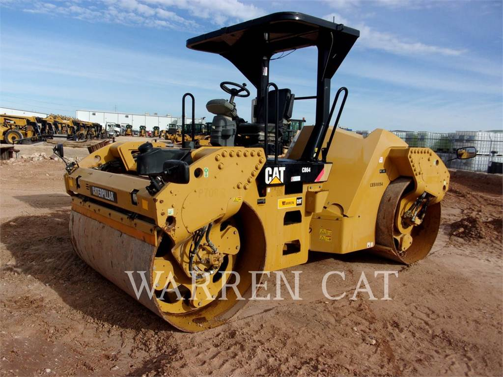 Caterpillar CB 64, Twin drum rollers, Construction