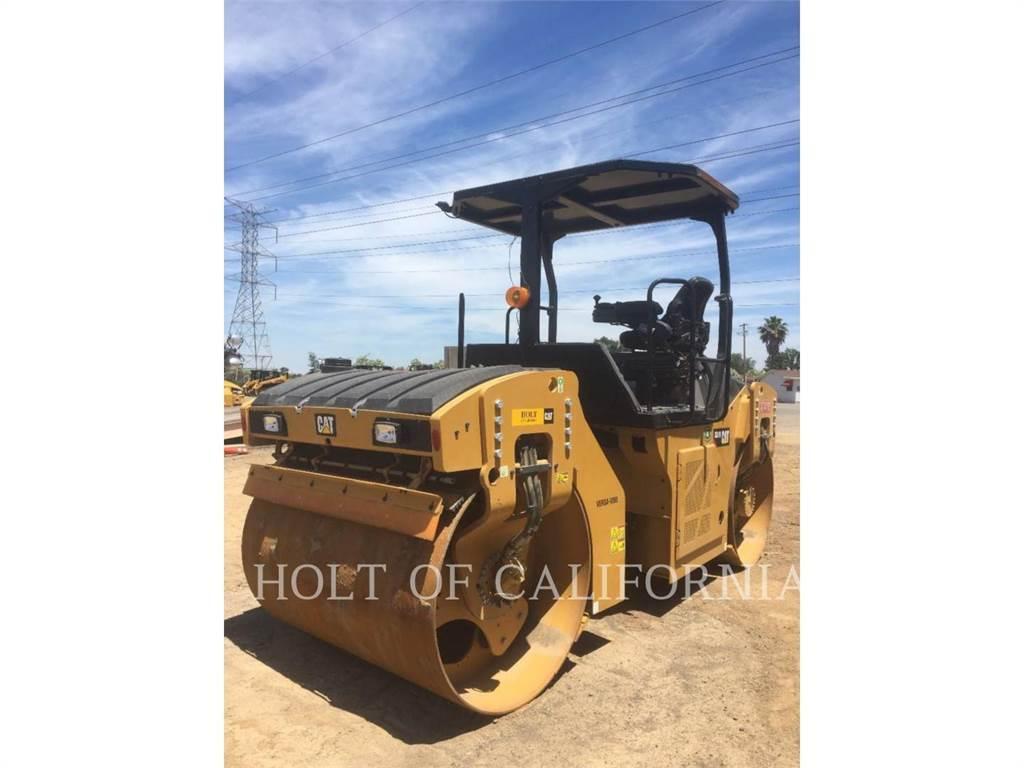 Caterpillar CB10, Asfaltadoras, Construcción