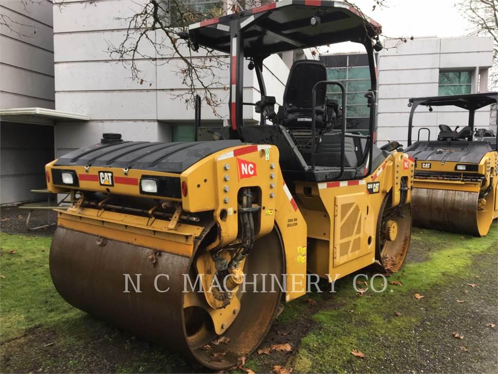 Caterpillar CB10, Asphalt pavers, Construction