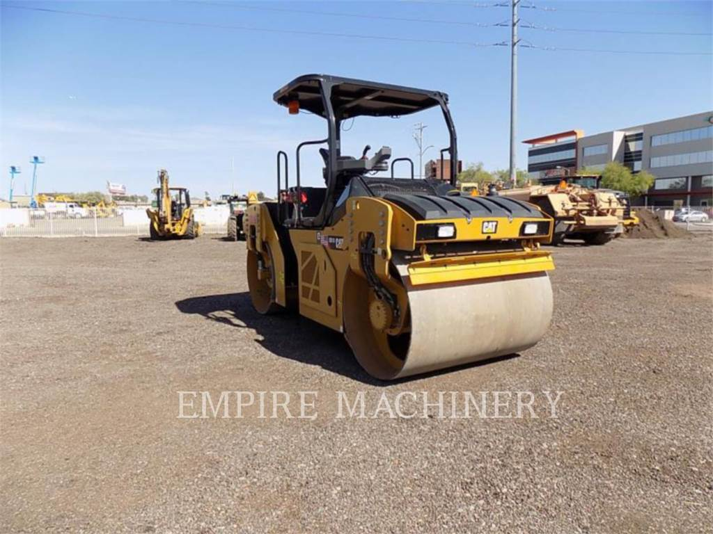 Caterpillar CB10, Twin drum rollers, Construction