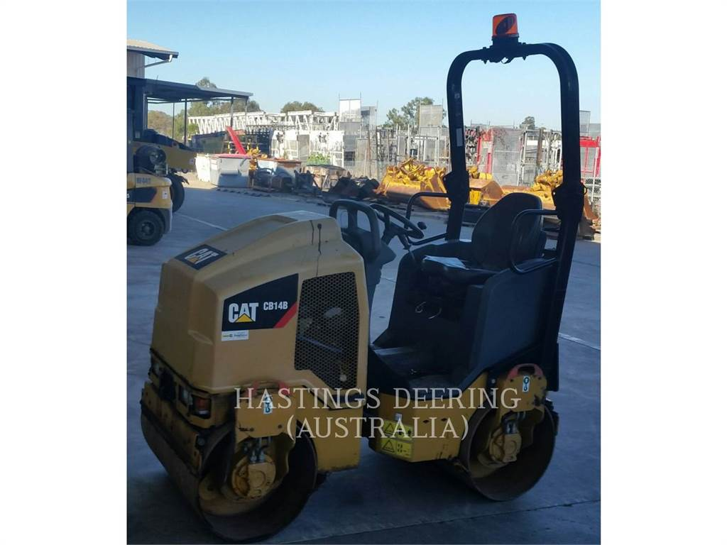 Caterpillar CB14B, Twin drum rollers, Construction