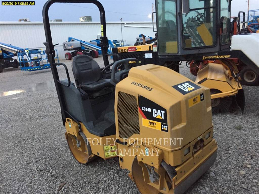 Caterpillar CB14B, Twin drum rollers, Construction