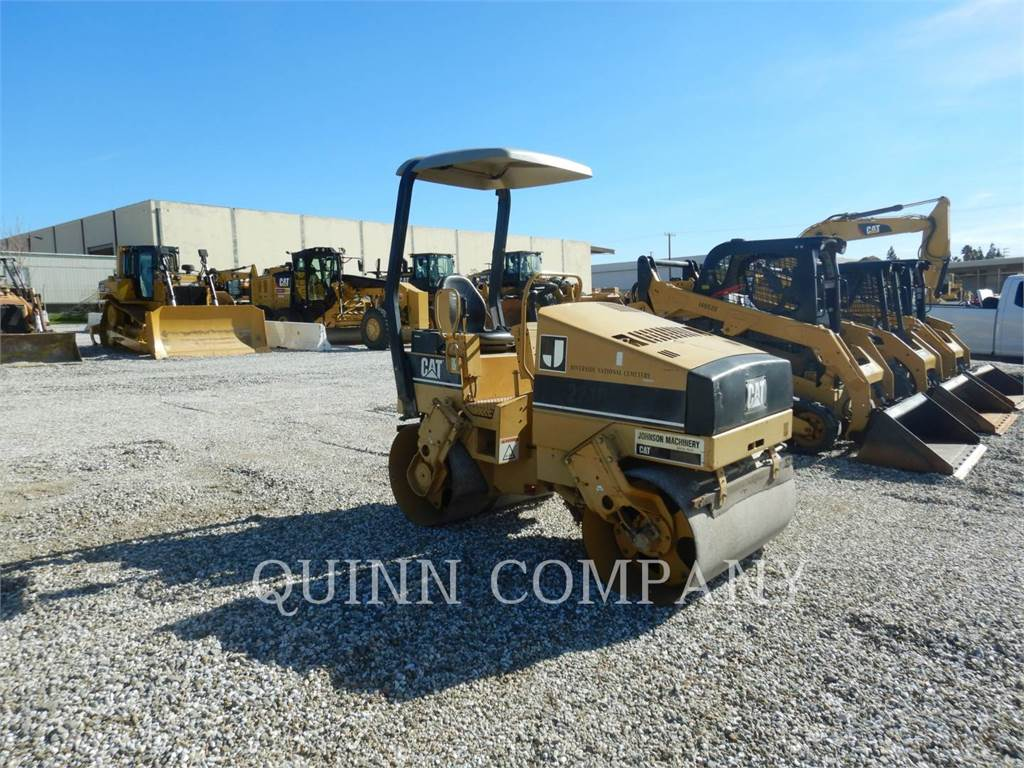 Caterpillar CB224C, Twin drum rollers, Construction