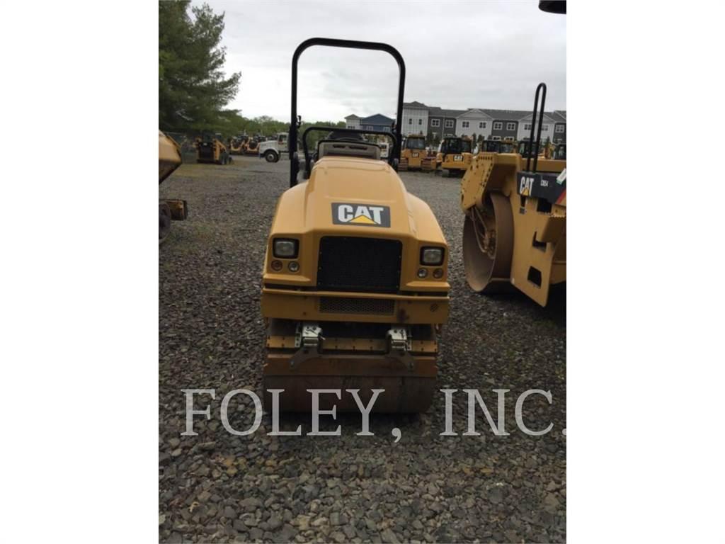 Caterpillar CB22B, wheel excavator, Construction