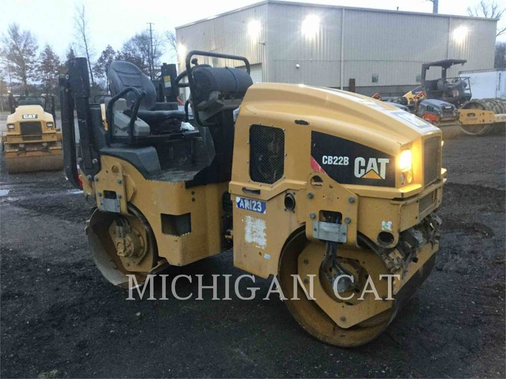 Caterpillar CB22B, Single drum rollers, Construction