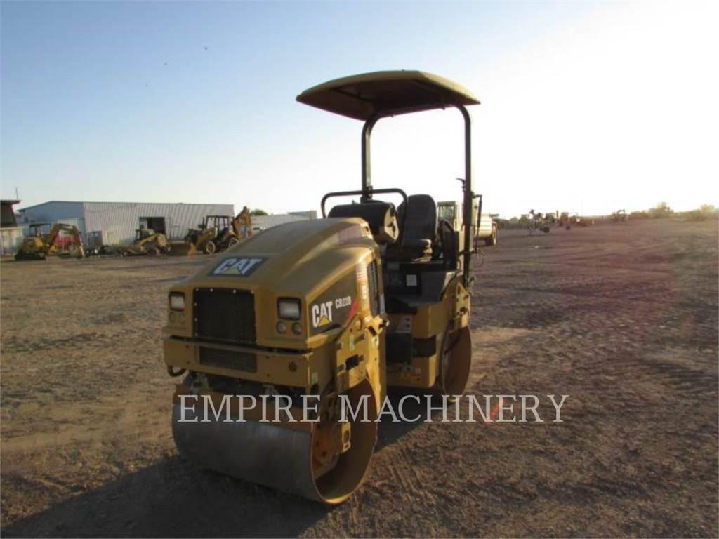 Caterpillar CB22B、双轮压路机、建筑设备