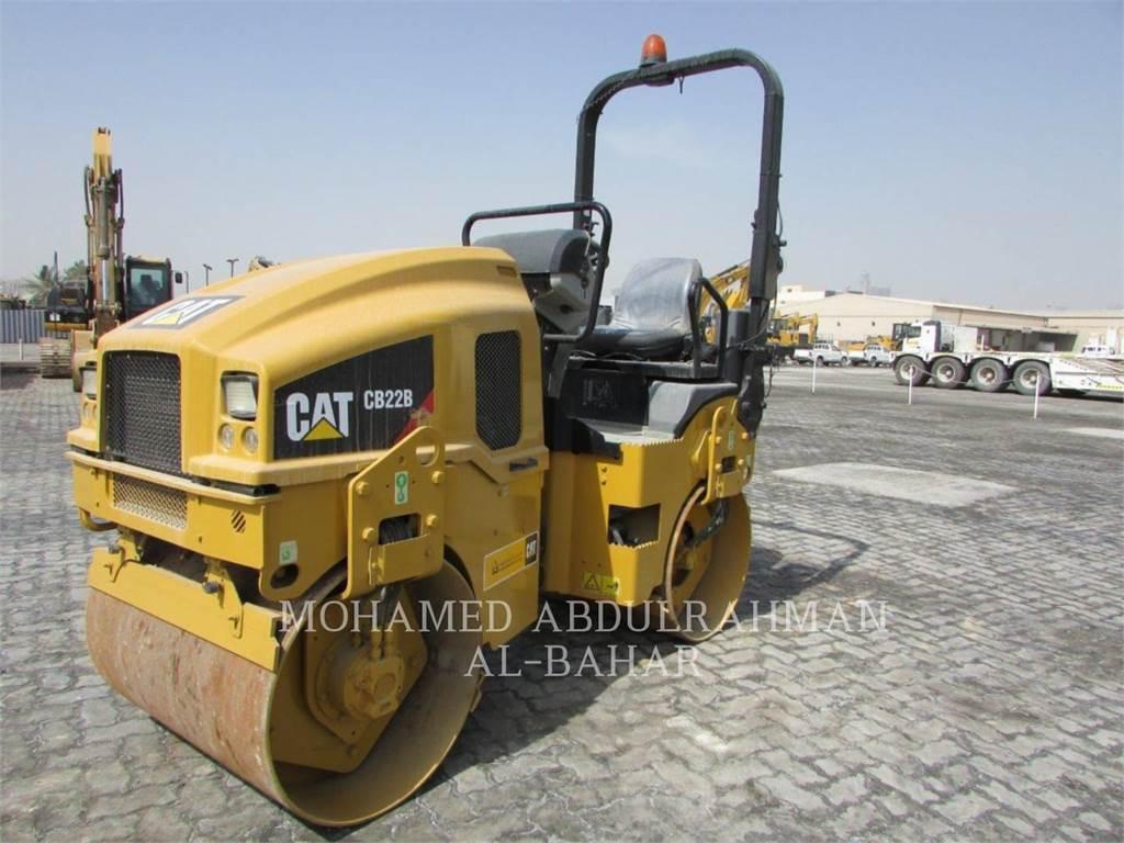 Caterpillar CB22BLRC、双轮压路机、建筑设备