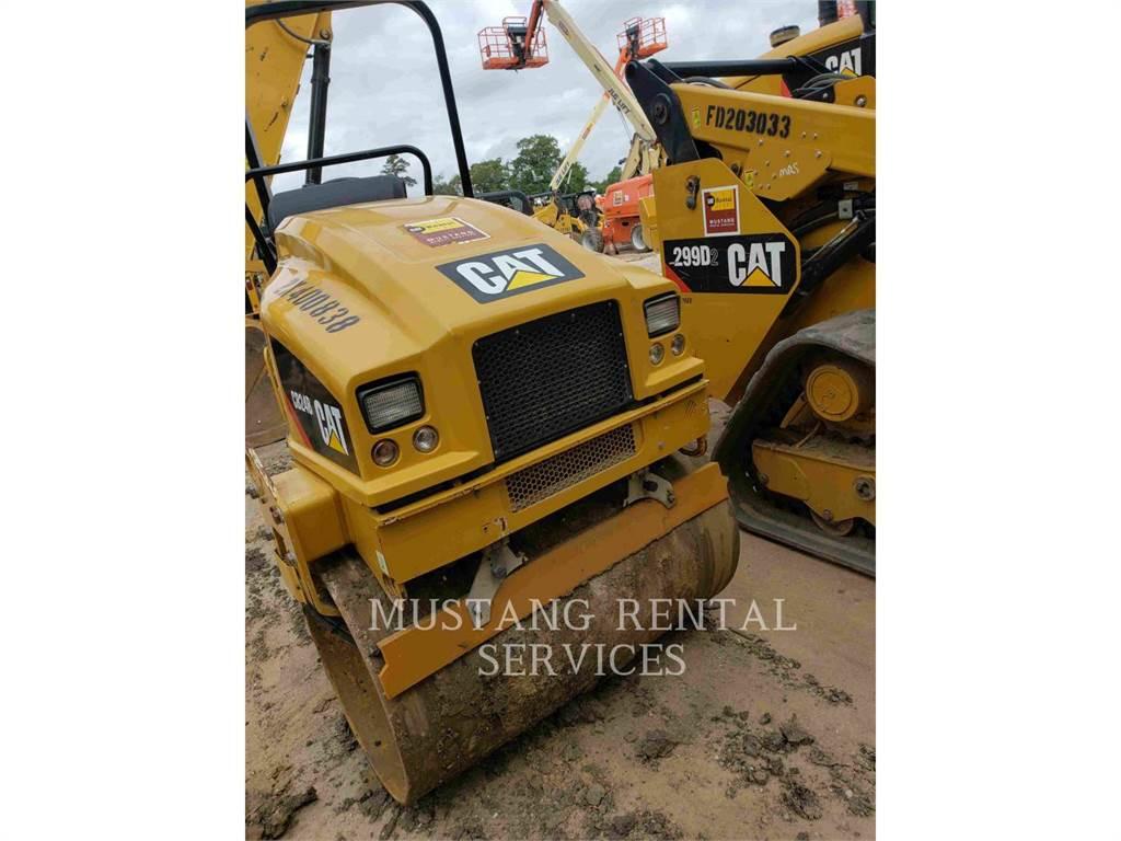 Caterpillar CB24, Асфальтоукладчики, Строительное