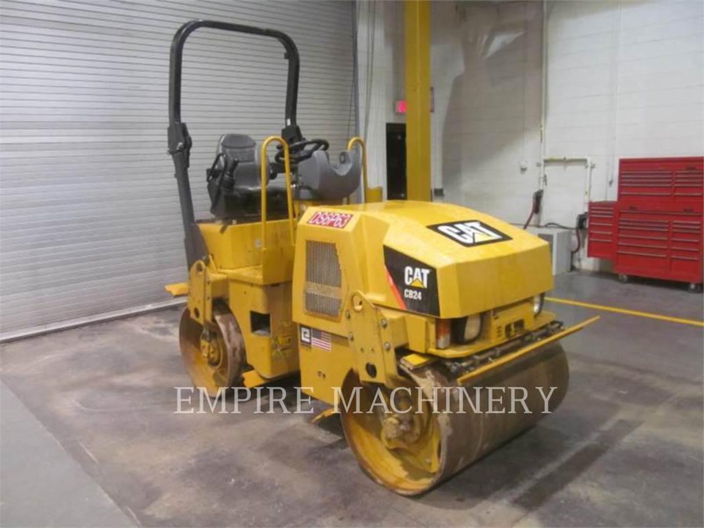 Caterpillar CB24, Twin drum rollers, Construction