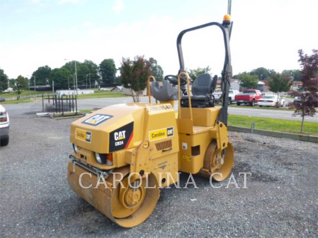 Caterpillar CB24, Rouleaux tandem, Équipement De Construction