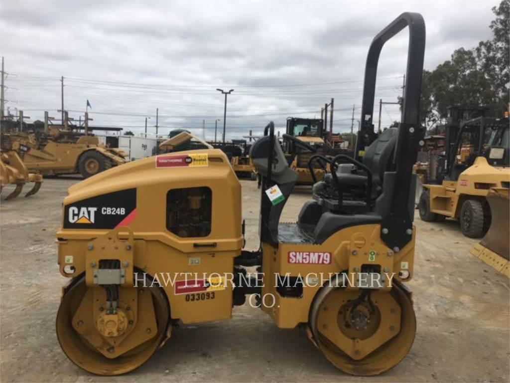 Caterpillar CB24B, Kompaktory, Sprzęt budowlany