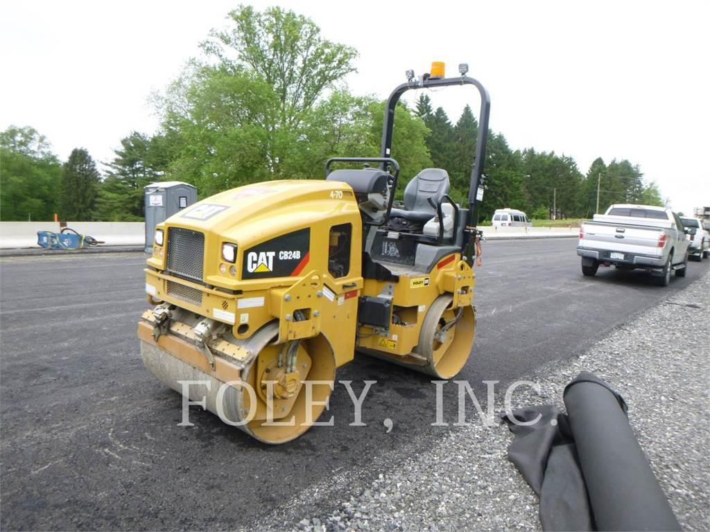 Caterpillar CB24B, Asphalt pavers, Construction