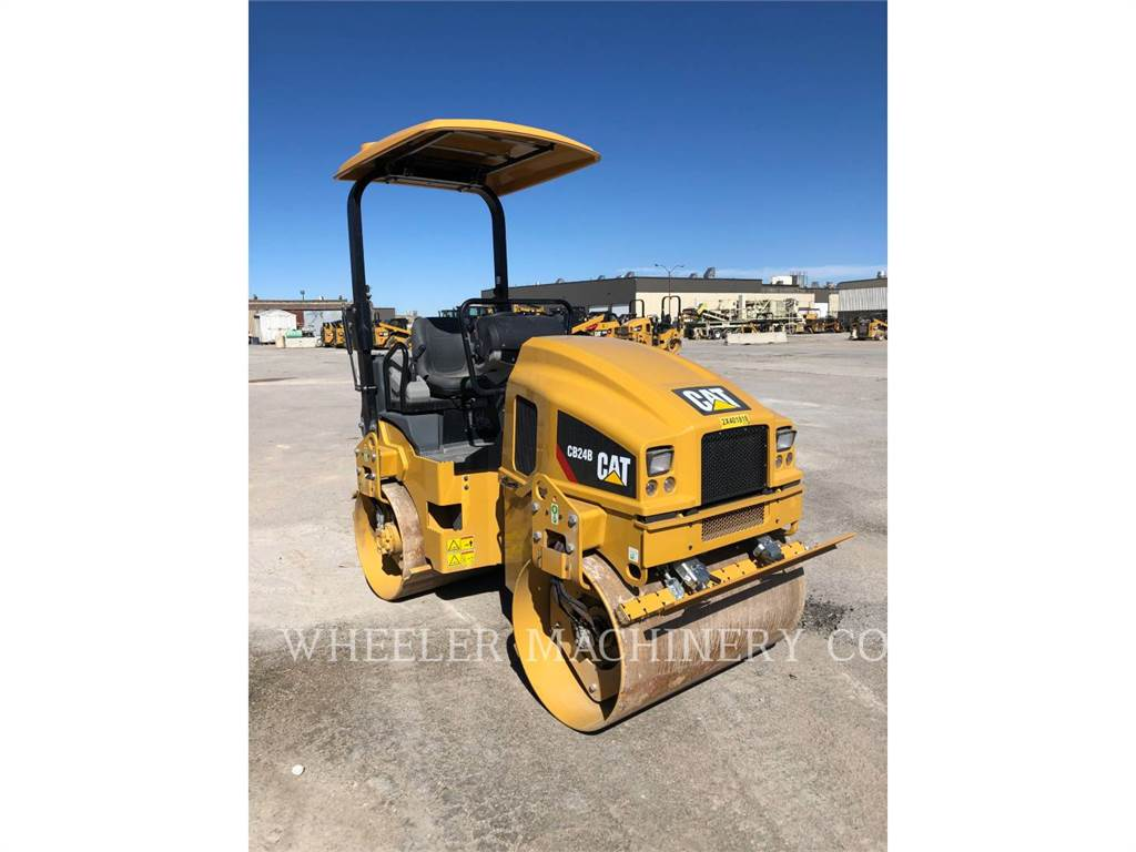 Caterpillar CB24B CN, Twin drum rollers, Construction