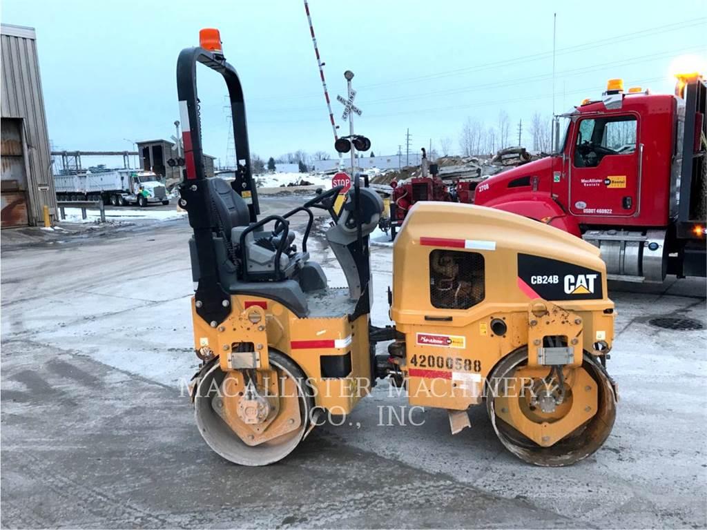 Caterpillar CB24B, Walce dwubębnowe, Sprzęt budowlany
