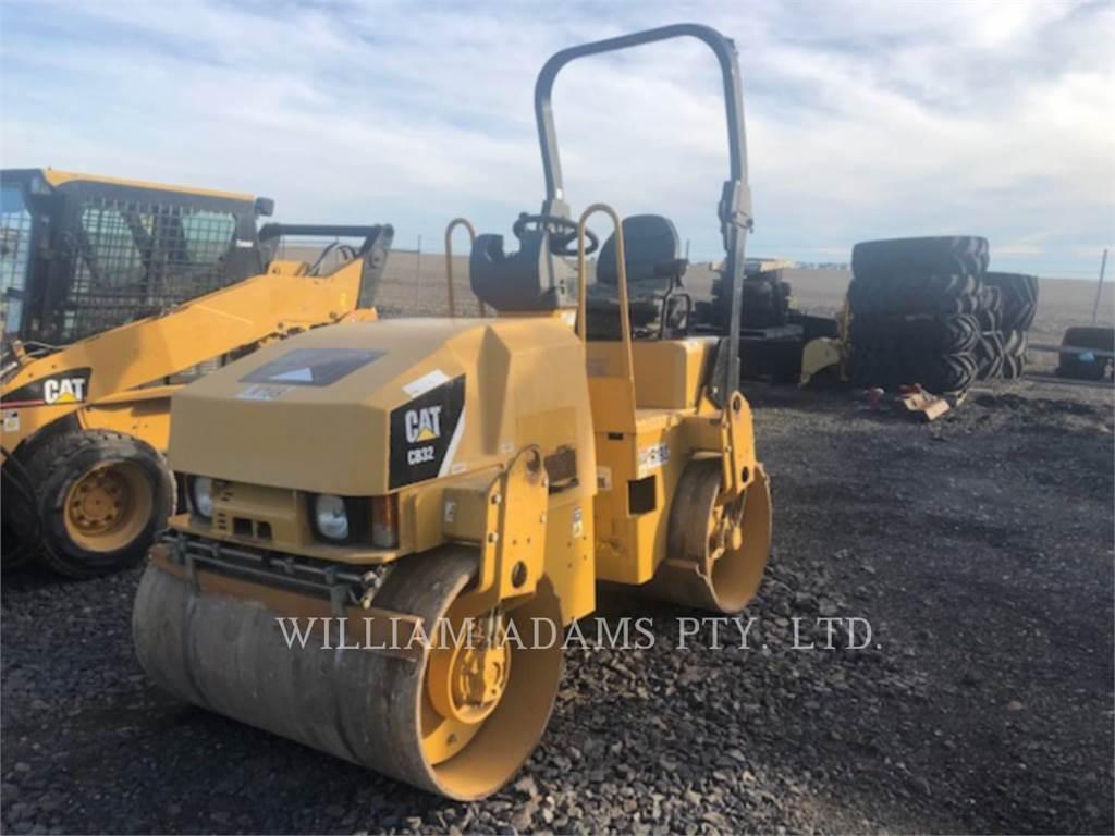 Caterpillar CB32, Compactors, Construction