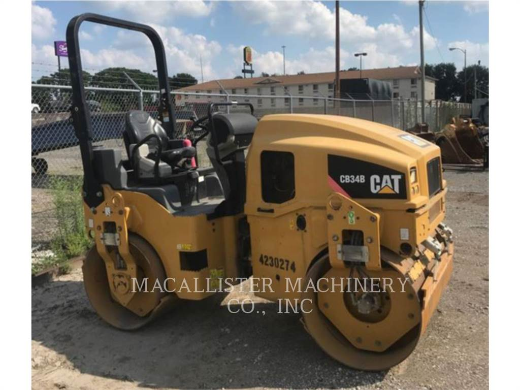 Caterpillar CB34B, Twin drum rollers, Construction