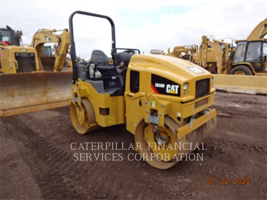 Caterpillar CB36B, Twin drum rollers, Construction