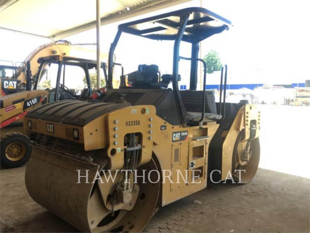 Caterpillar CB44B、ソイルコンパクター、建設