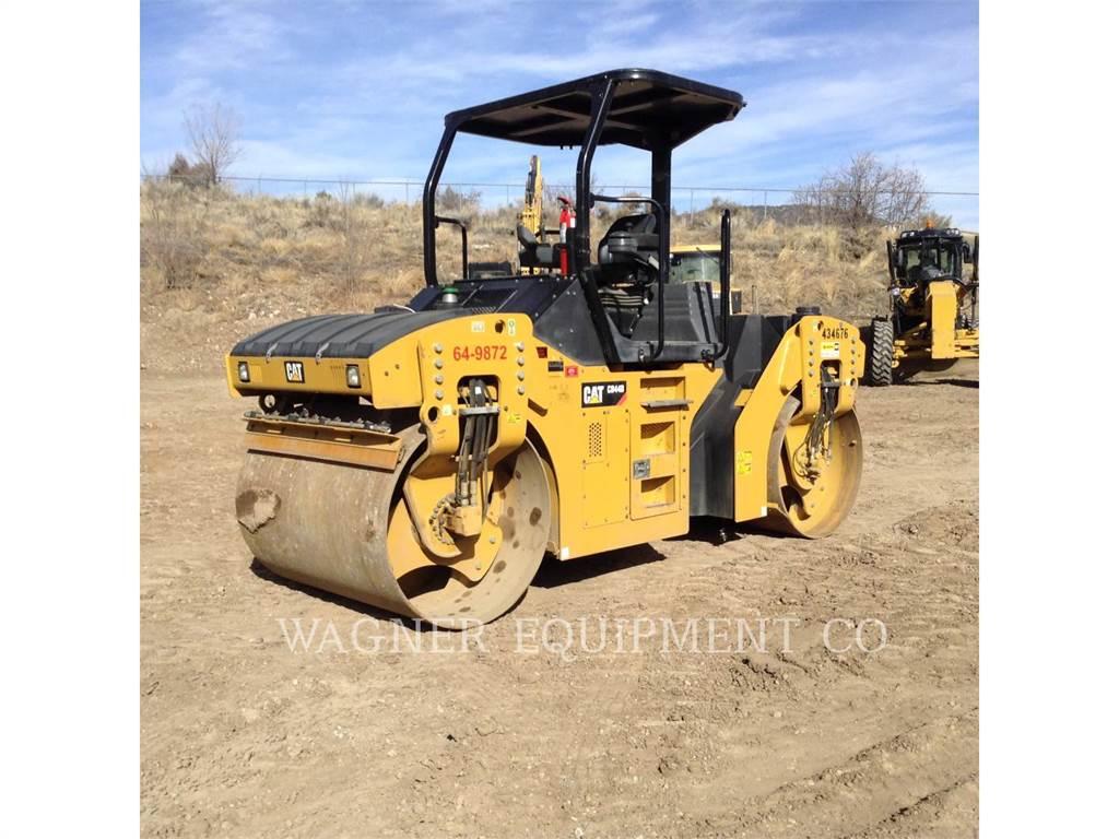 Caterpillar CB44B, Twin drum rollers, Construction