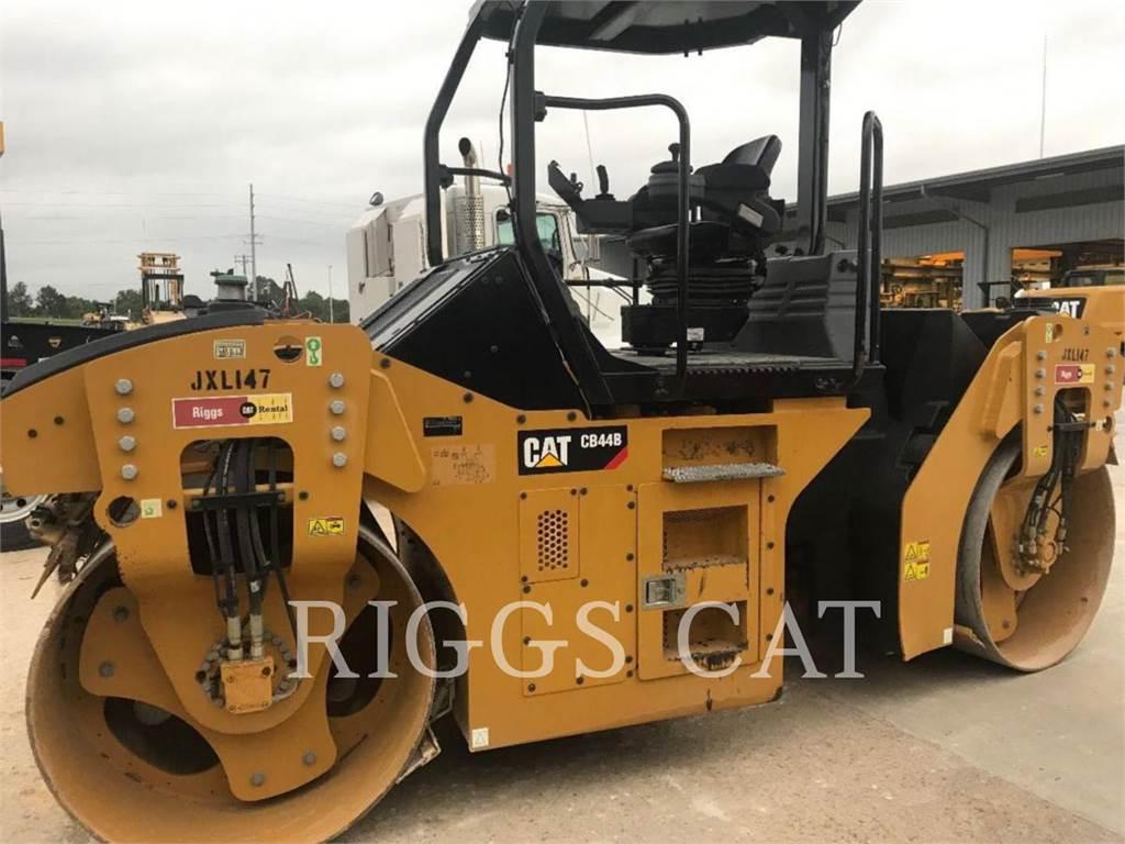 Caterpillar CB44B, Уплотнители, Строительное