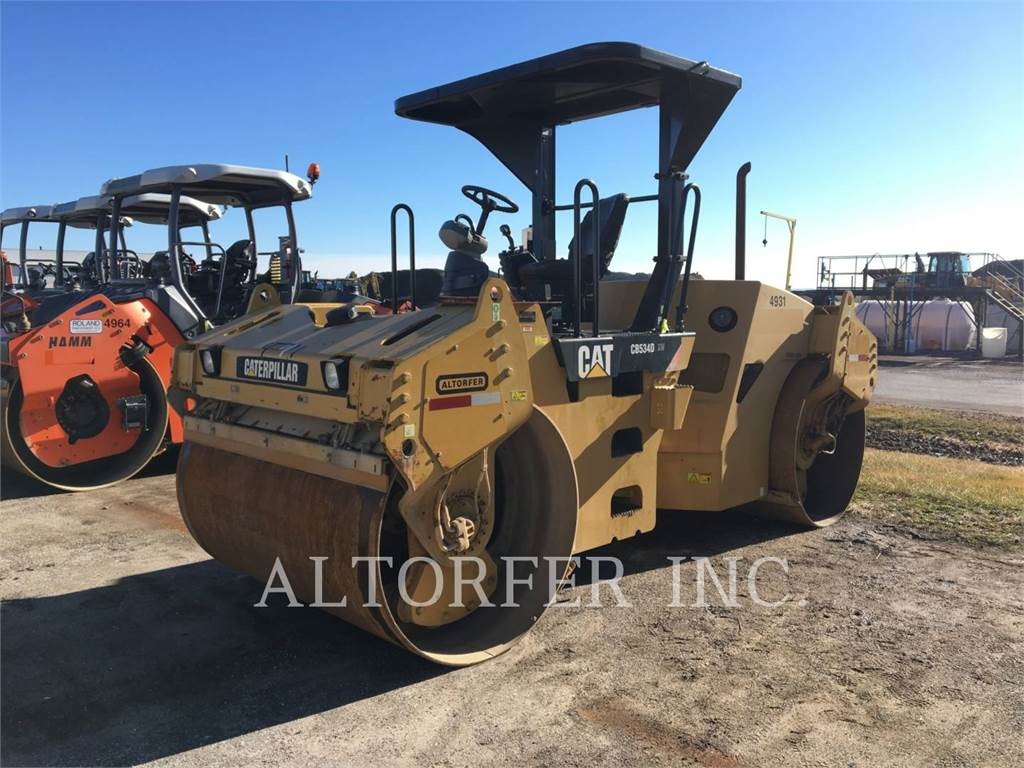 Caterpillar CB534D XW, Twin drum rollers, Construction