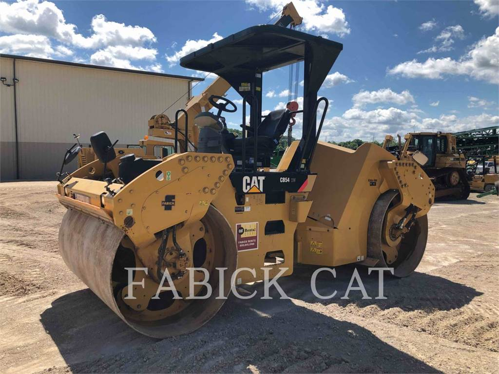 Caterpillar CB54, Twin drum rollers, Construction