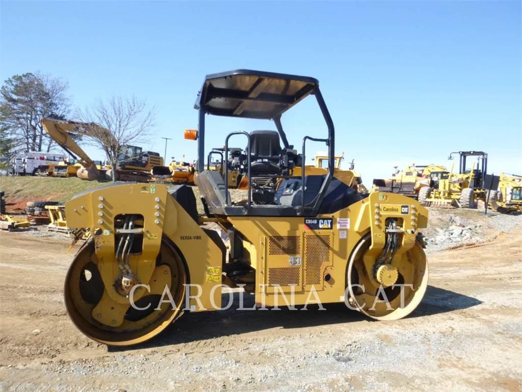 Caterpillar CB54B, Rodillos de doble tambor, Construcción