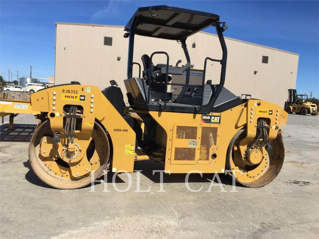 Caterpillar CB54B, Rouleaux monocylindre, Équipement De Construction