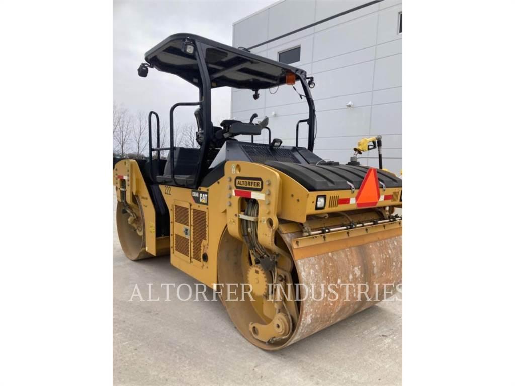Caterpillar CB54B, Twin drum rollers, Construction