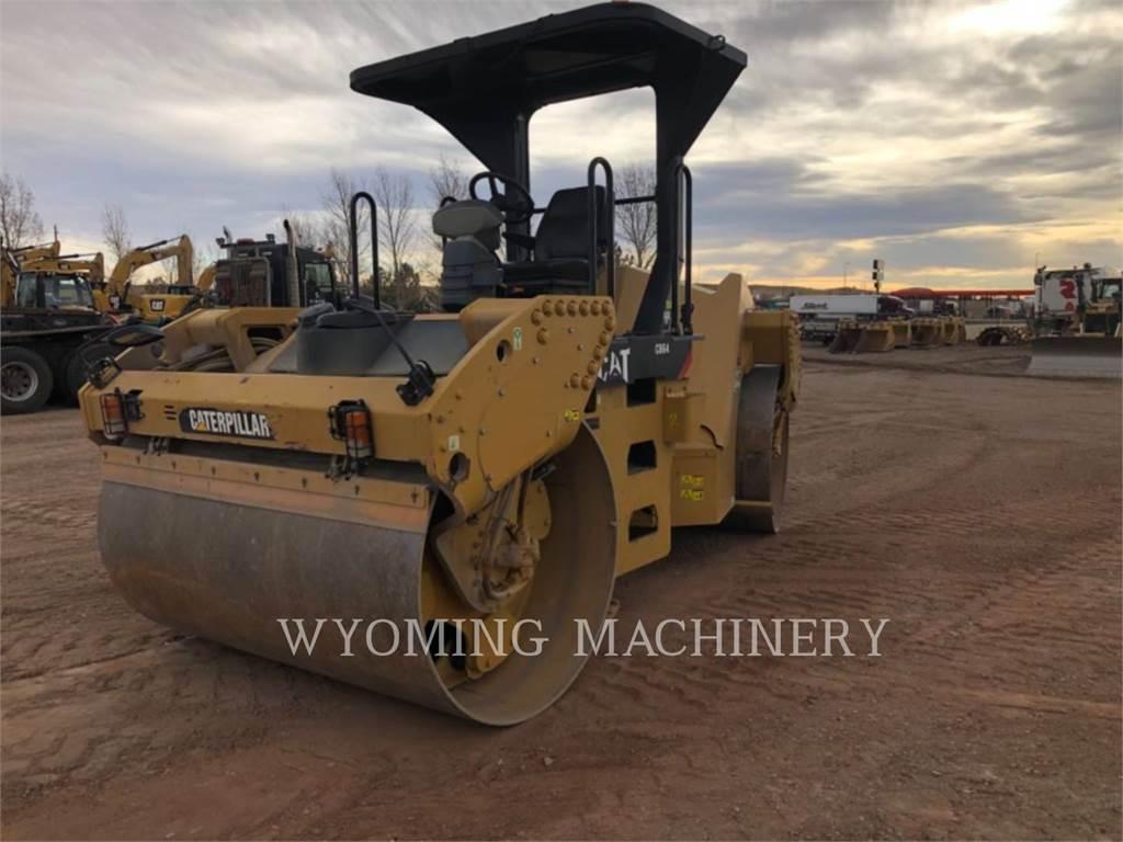 Caterpillar CB64, Pulverizador de asfalto, Construcción