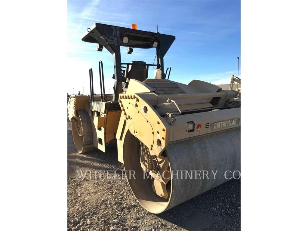Caterpillar CB64, Asphalt pavers, Construction