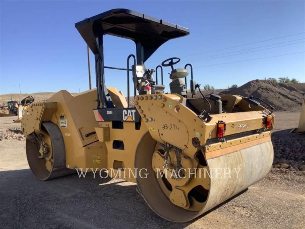 Caterpillar CB64, Asphalt and Tar Sprayers and Sealers, Construction