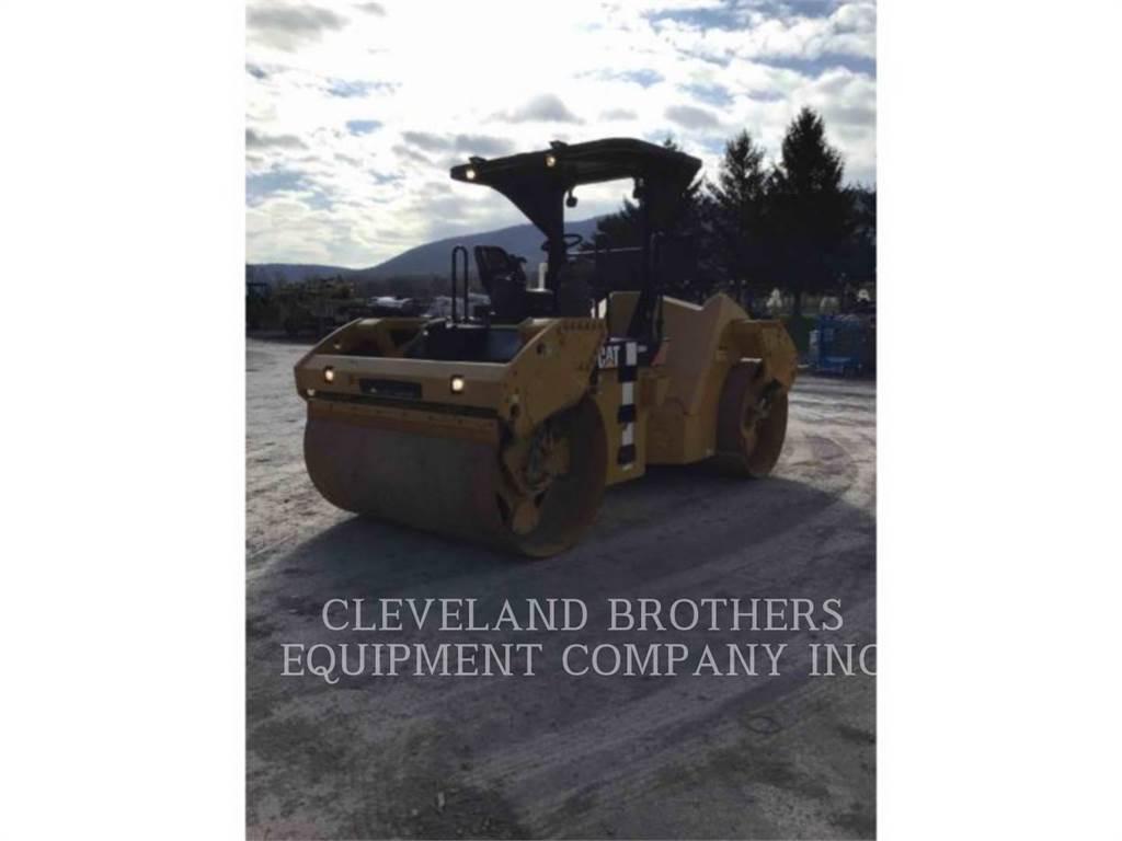 Caterpillar CB64, Compactadores, Construcción