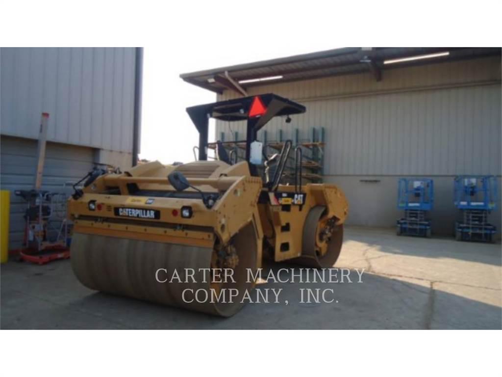 Caterpillar CB64, Twin drum rollers, Construction
