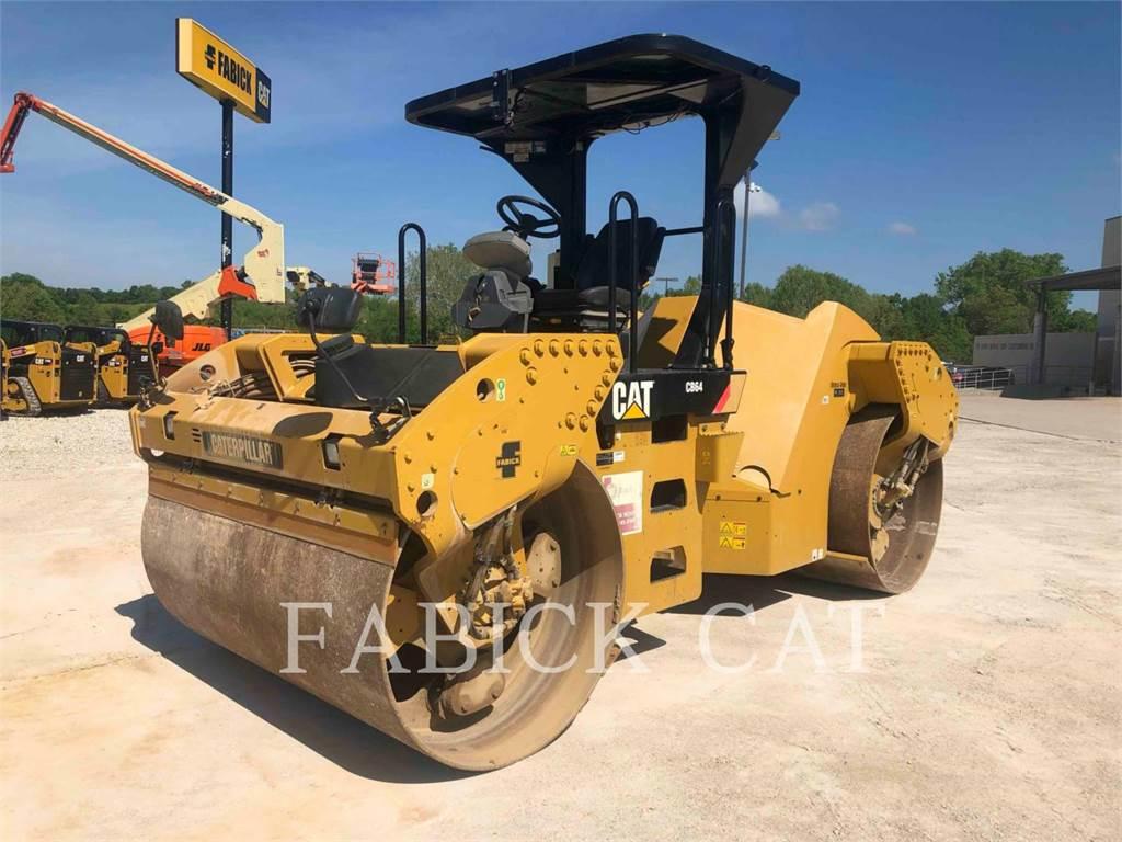 Caterpillar CB64、双轮压路机、建筑设备