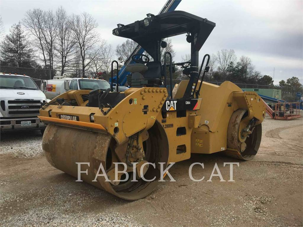 Caterpillar CB64 MAP, Twin drum rollers, Construction