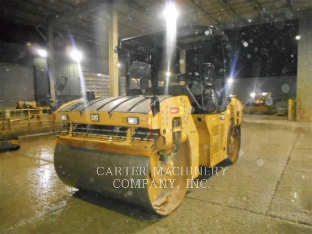Caterpillar CB64B, Rodillos de doble tambor, Construcción