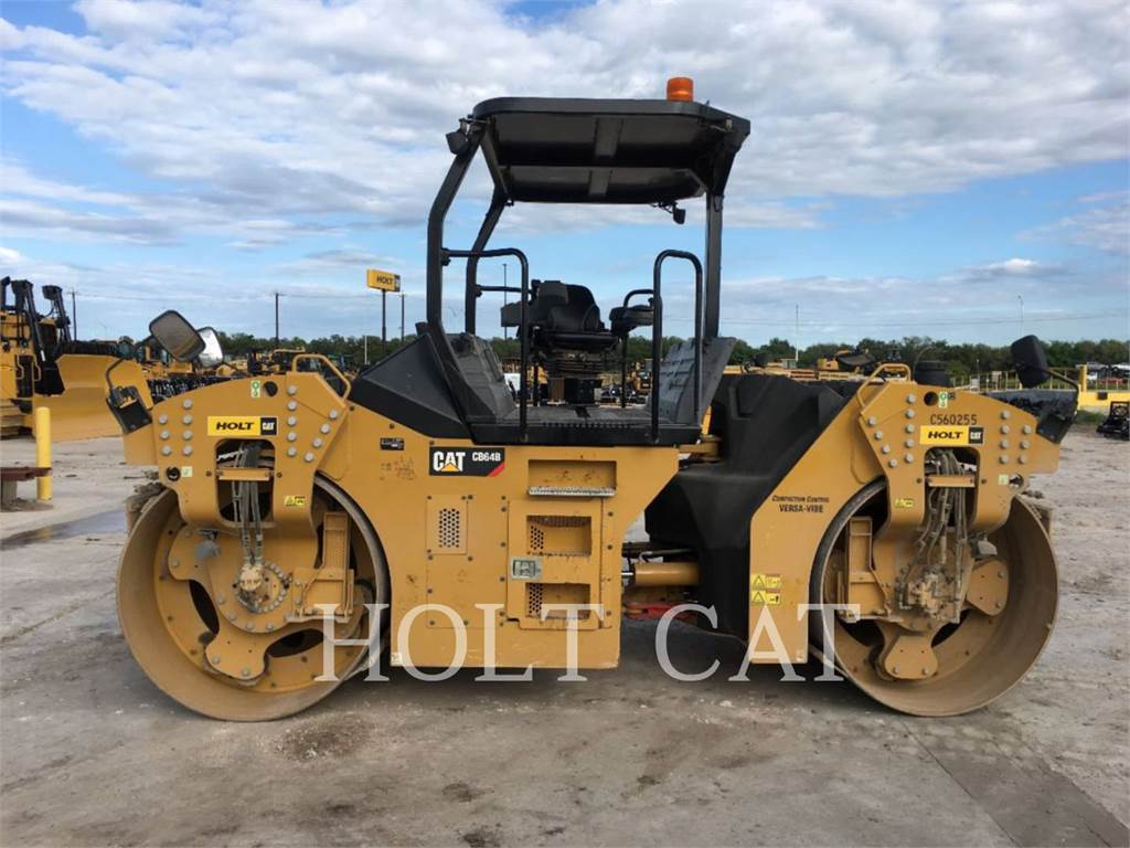 Caterpillar CB64B, Single drum rollers, Construction