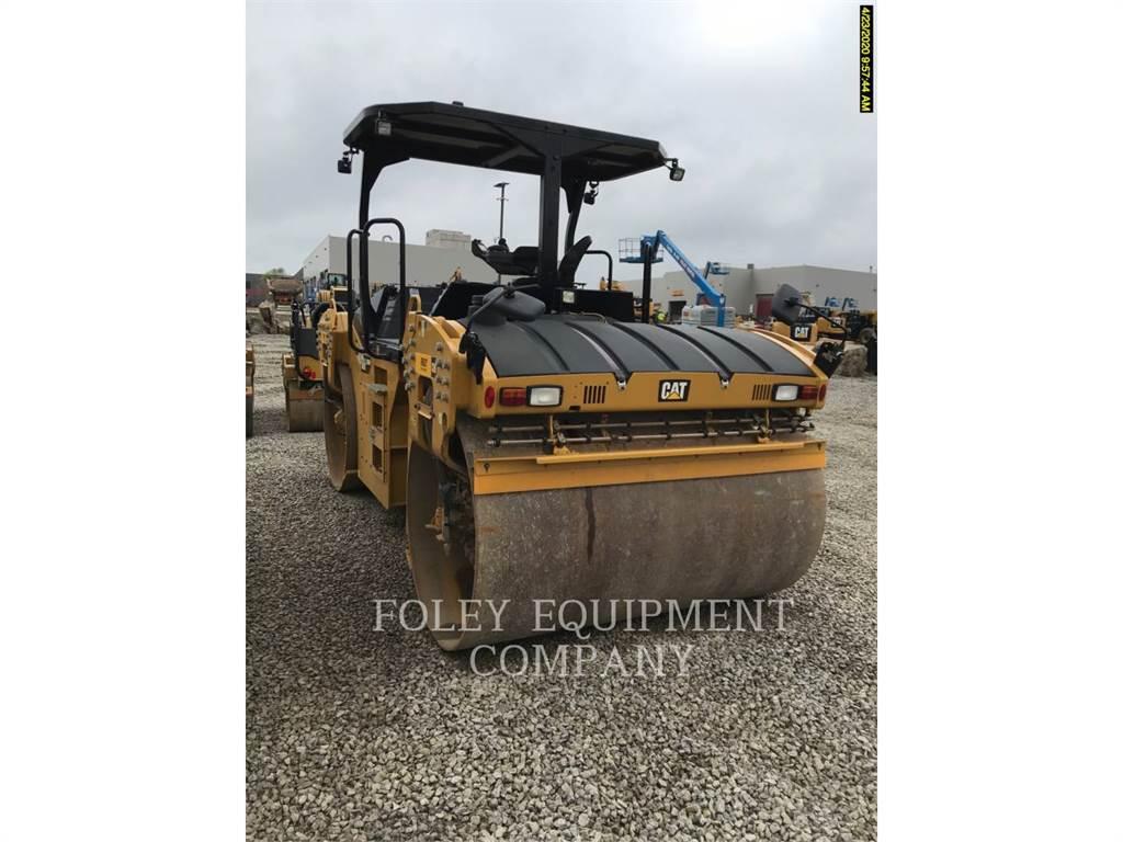 Caterpillar CB66B, Compactadores, Construcción