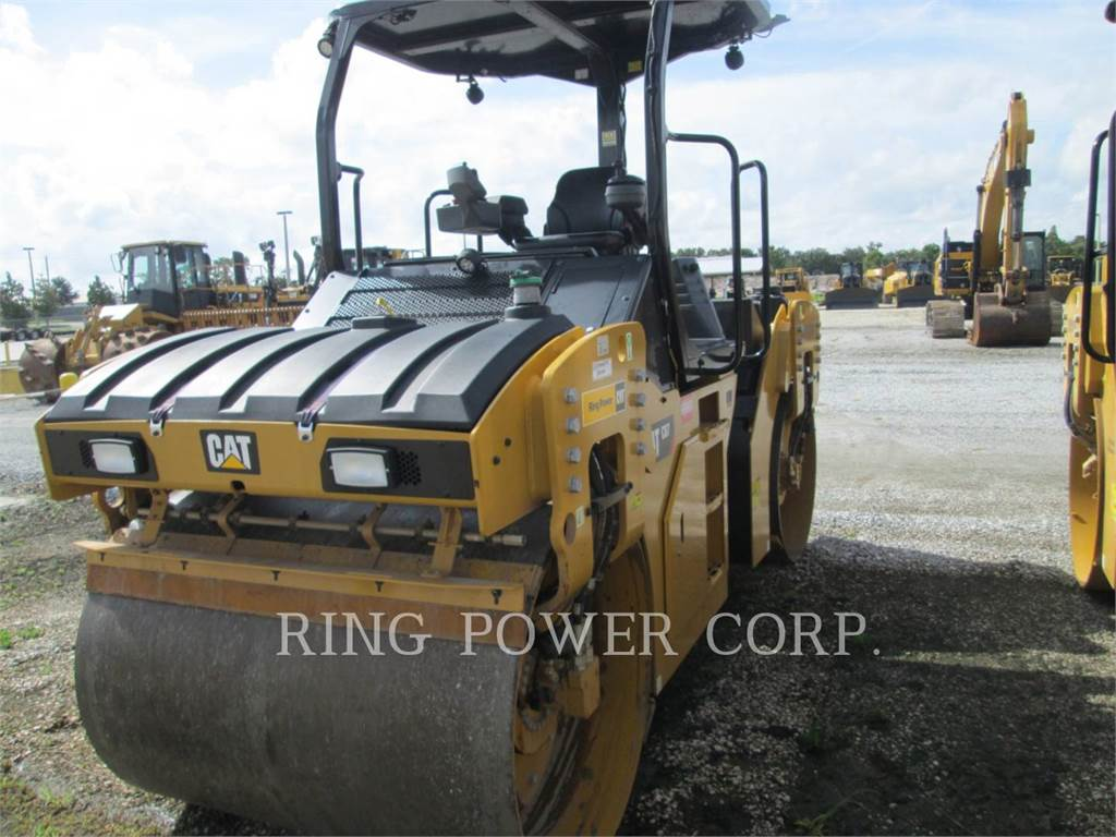 Caterpillar CB7, Twin drum rollers, Construction