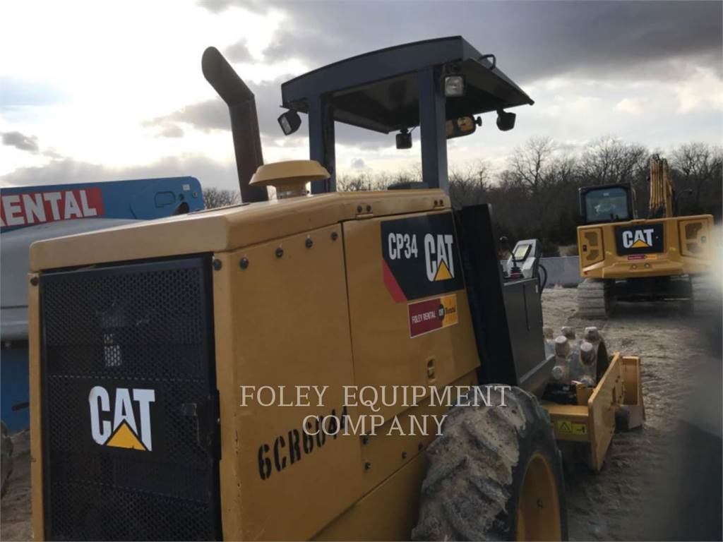 Caterpillar CP34, Single drum rollers, Construction