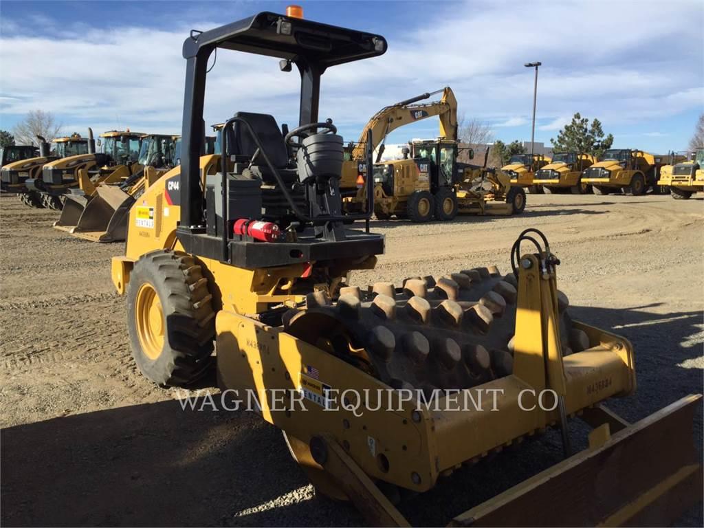 Caterpillar CP44、土壤压实机、建筑设备
