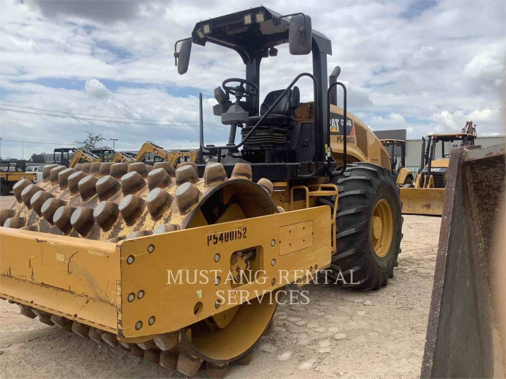 Caterpillar CP54, Single drum rollers, Construction