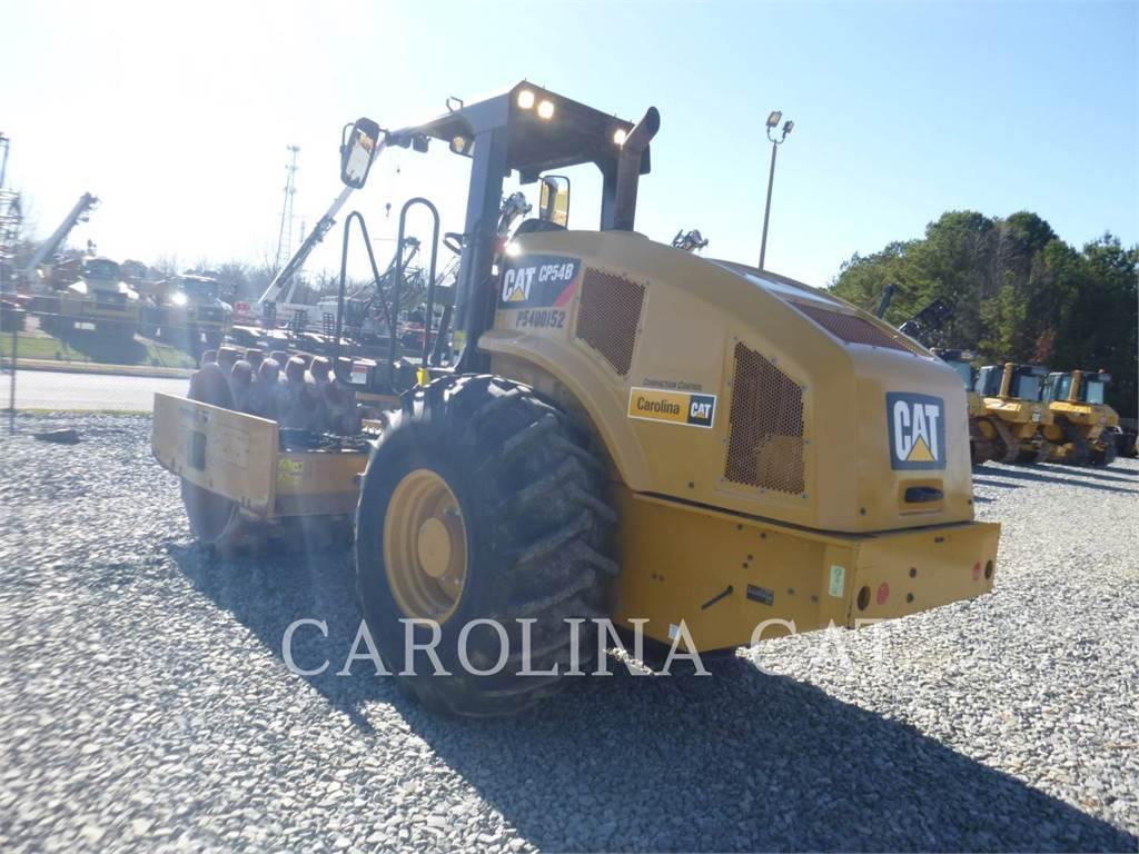 Caterpillar CP54B, Twin drum rollers, Construction