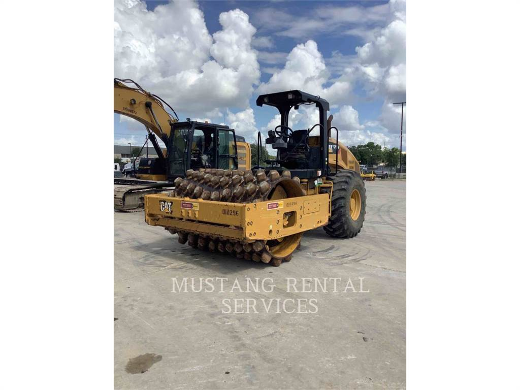 Caterpillar CP56, Asphalt pavers, Construction
