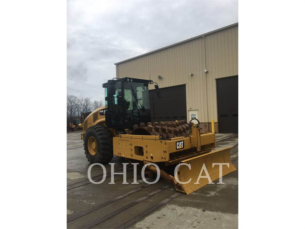 Caterpillar CP56B, combination rollers, Construction