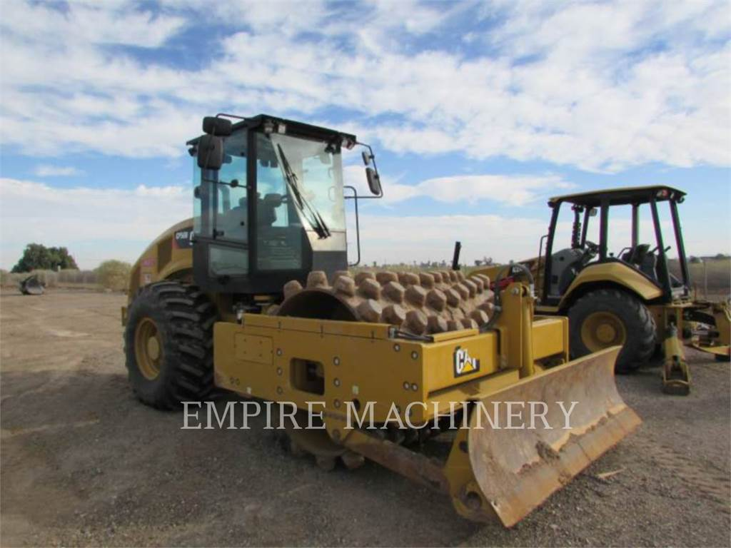 Caterpillar CP56B CA, Single drum rollers, Construction