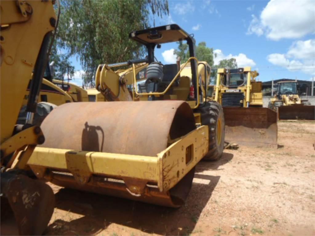 Caterpillar CS-533E, Rodillos de un solo tambor, Construcción